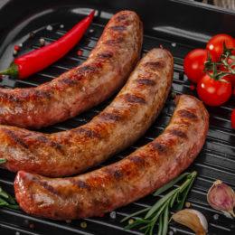 Готовим на даче: домашние колбаски на гриле