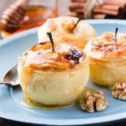Яблоки запеченные с творогом и медом